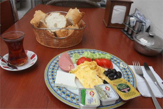 Piya Hostel: Our Breakfast İs Free