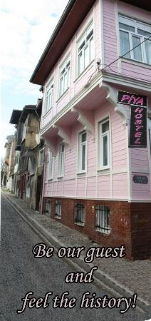 Piya Hostel: Our Hostel İs İn Heart Of The Old City İstanbul and Neighbourhood İs Authentic Place...