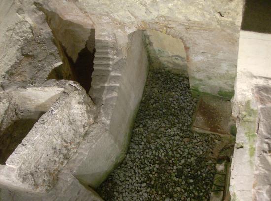 """AinB Gothic-Jaume I: """"catacombe"""""""