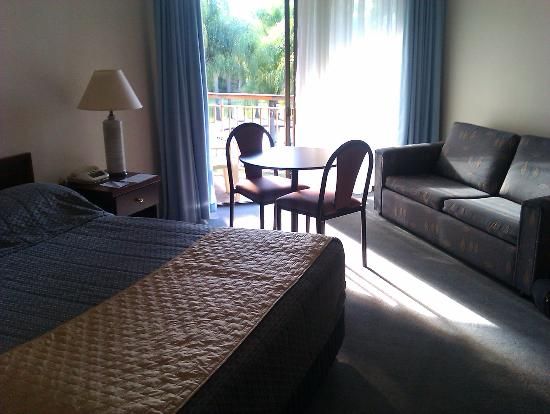 Charbonnier Motor Inn SIngleton: Upstairs room overlooking pool