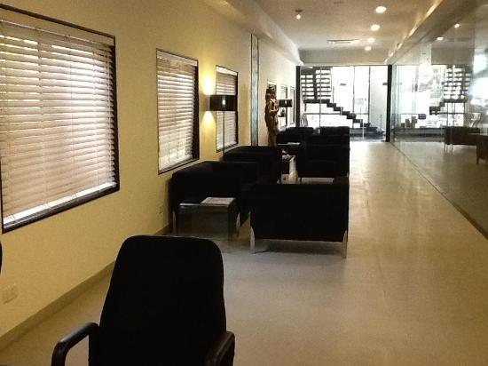 Star City Hotel & Serviced Apartments: Lounge LongView