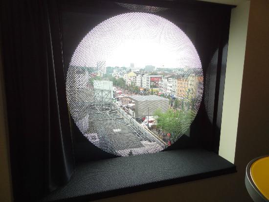 Runde Fenster runde fenster mit sitznische picture of arcotel onyx hamburg