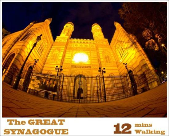 Trendy Budapest B&B Hostel: The Great Synagogue is 12 mins walking from Trendy Budapest B&B