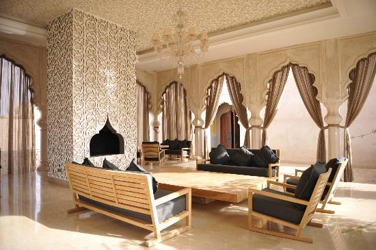 Palais Namaskar: The Lobby