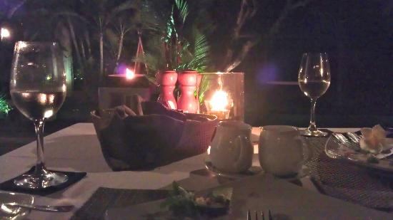 Jamahal Private Resort & SPA: Dinner brought to our villa