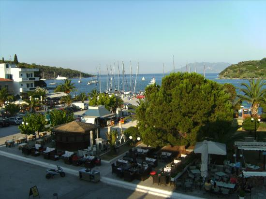 Hotel Christina : What you see is what you get: a nice village near to the sea.