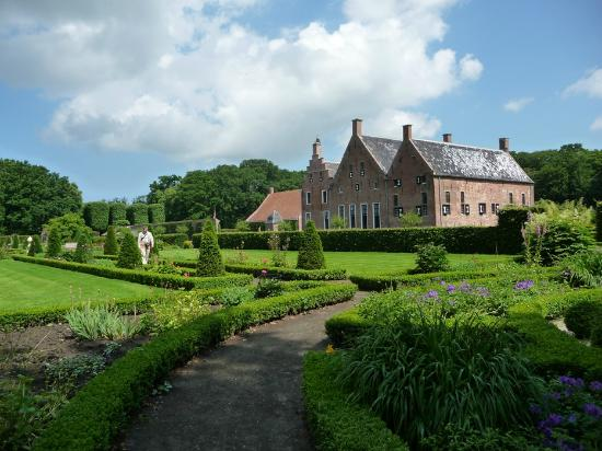 Uithuizen, Holandia: Menkemaborg - 18th century estate