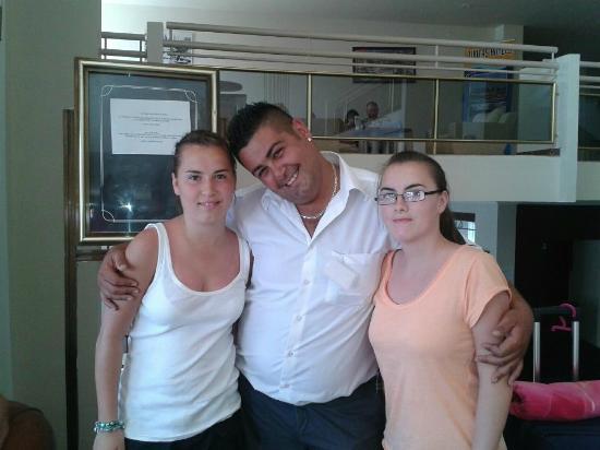 Tuntas Beach Hotel Altinkum : Leanne, Charlie and Lauren