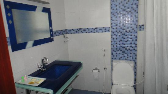 Ponmari Residencyy: deluxe room