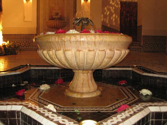 Riad Viva: Water fountain