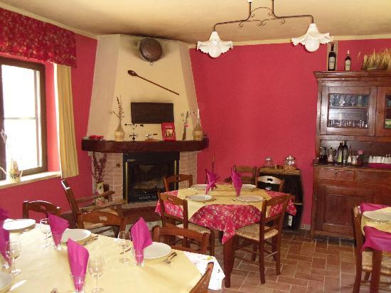 Castel Del Piano, Italia: interno trattoria