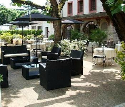 restaurant la truffe noire terrasse et parking photo de truffe noire brive la gaillarde. Black Bedroom Furniture Sets. Home Design Ideas