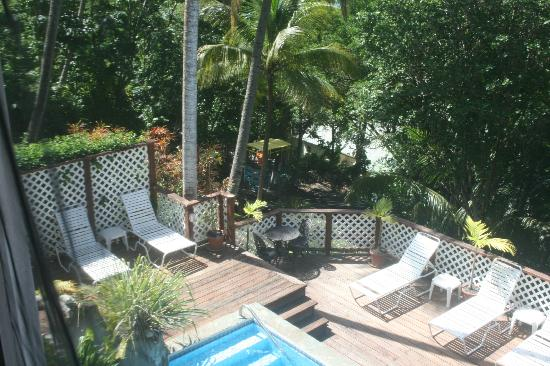 Oasis Marigot: View from veranda to private pool area