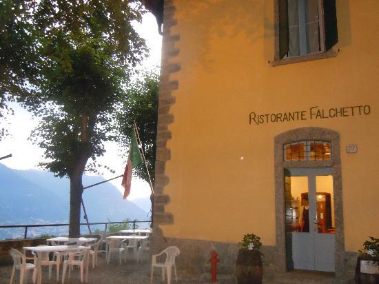 Ristorante Hotel Falchetto: L'ingresso