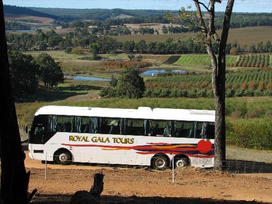 ‪Royal Gala Day Tours‬