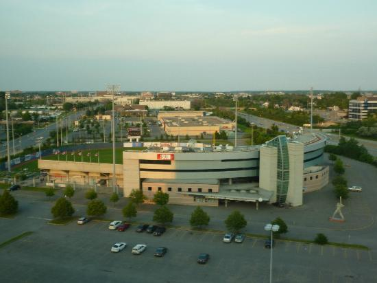 ‪‪Courtyard Ottawa East‬: View from the room (Stadium & Highway 417)‬