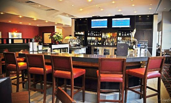 Four Points by Sheraton Winnipeg International Airport: Lounge