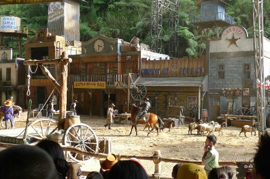 Cisarua, Indonesia: Cowboy show