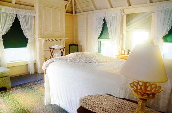 The Samoset On The Sound: Bridal Suite