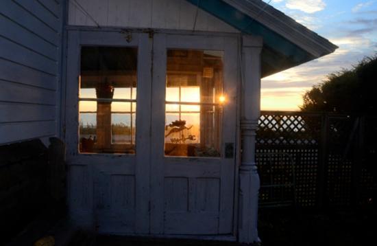 The Samoset On The Sound: sun room