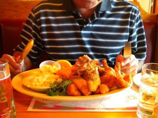 Sammy's Fishbox Restaurant: Plato de pescador, imposible terminarlo de tanta cantidad
