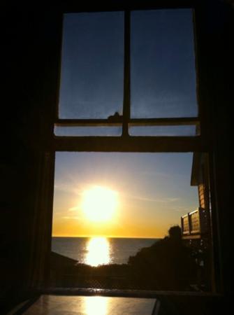 The Samoset On The Sound : good morning sun!