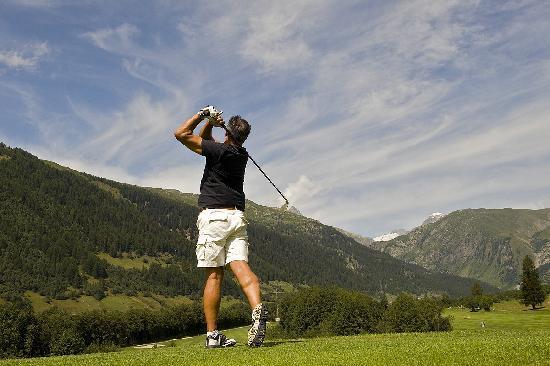 Hotel des alpes: Golf im Goms