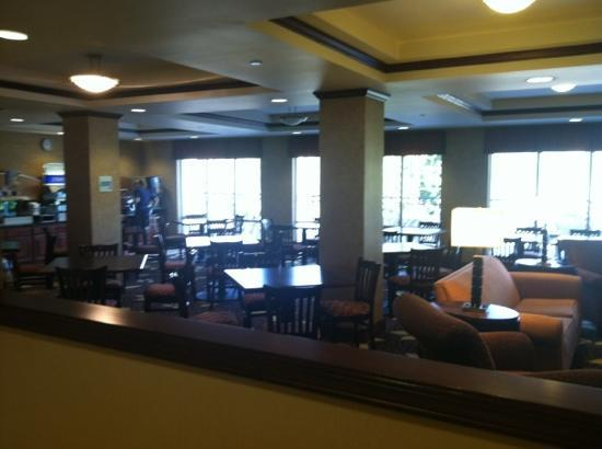 Holiday Inn Express Hotel & Suites Sandpoint North: breakfast room