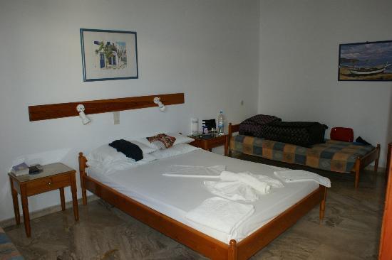 Hotel Eleftheria Parikia: notre chambre