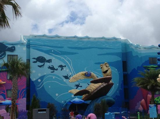 Disney's Art of Animation Resort: Crush