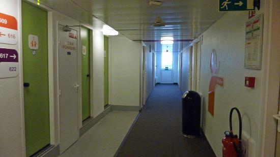 Hotel F1 Roissy Aeroport CDG PN 2: 廊下