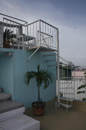 Hotel Portes 9: Roof-top bar/lounge