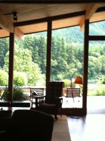 Tu Tu Tun Lodge: view from lobby
