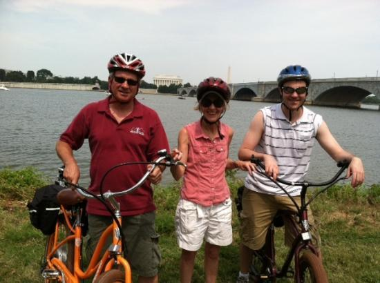 EzBikeRides : Seeing the sites of DC on electric bikes