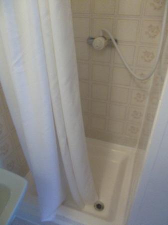 The Almar: Shower