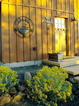 Inn at Juniper Ridge: photo by Ray Gilmore