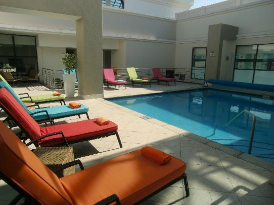Holiday Inn Sandton - Rivonia Road: Swimming pool