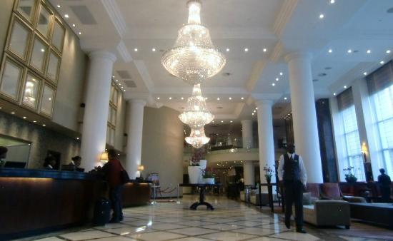 Holiday Inn Sandton - Rivonia Road: Lobby