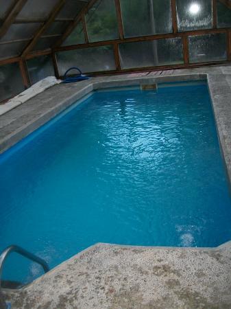 Hosteria Portal De Piedra: PILETA CUBIERTA