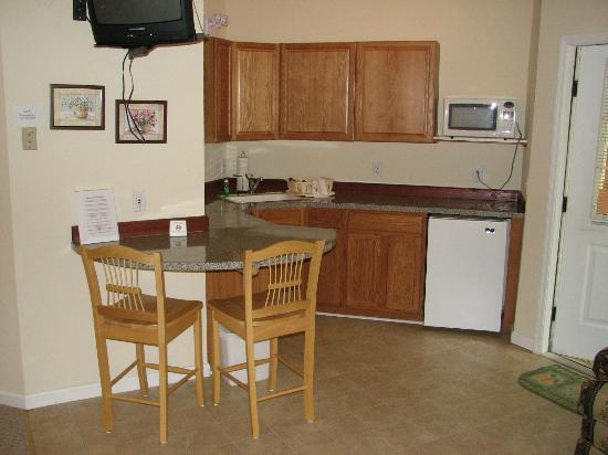 Willowbrook Inn: Kitchenette