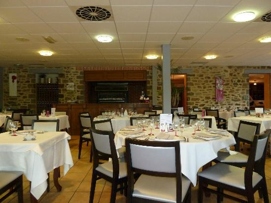 Hotel Restaurant Beau Rivage: Salle à manger