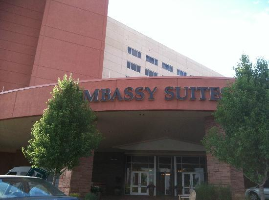 Embassy Suites by Hilton Loveland - Hotel, Spa and Conference Center: Entrance