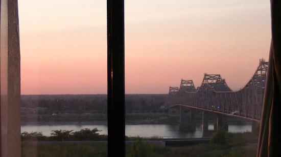 Super 8 Natchez: View from our room.