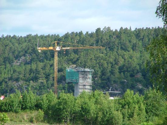 Hamresanden Apartments Hotel: uitzicht vanaf je balkon op bouwactiviteiten van het vliegveld