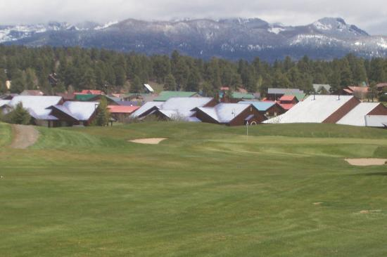 Pagosa Springs Golf Club: Beautiful backdrop to play golf, isn't it?