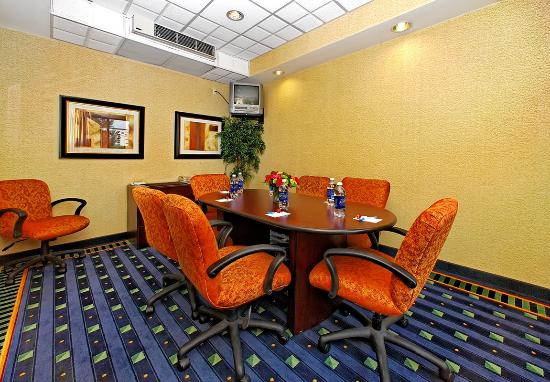 SpringHill Suites Greensboro: Meeting Room