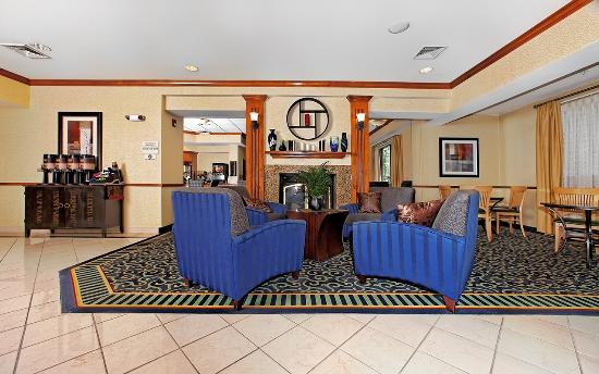 SpringHill Suites by Marriott Greensboro: Lobby