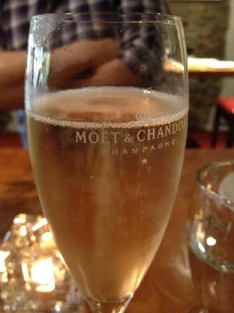 Royal Seven Stars Hotel: Champagne Thursday!