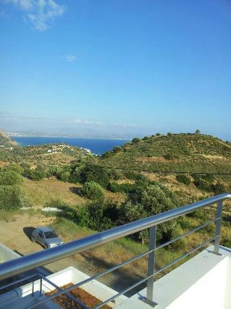Lenikos Resort: vue de la terrasse ch105
