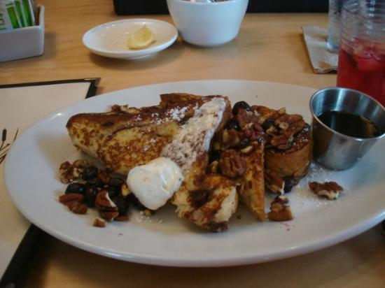 Toad Hollow Cafe: French Toast w/Blueberries and Pecans
